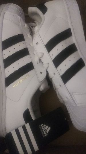 Adidas superstar men's size 7 shoes for Sale in Aurora, CO