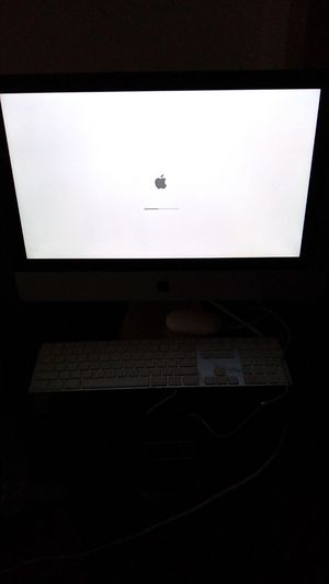 Apple desk top for Sale in New Haven, CT