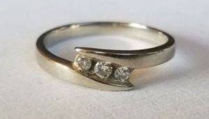 Stunning 10K white gold 3 diamond ring size 5.5 for Sale in Lake Stevens, WA