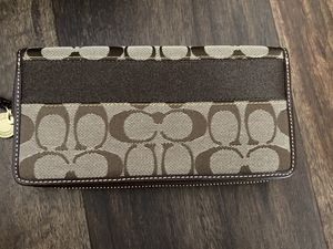 Brown Leather Coach Wallet for Sale in Irvine, CA