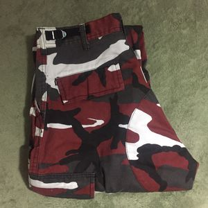 Skater Pants, Camo Red, Aesthetics (meet up only) for Sale in Daly City, CA