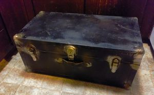 Vintage Travel Trunk for Sale in Tacoma, WA