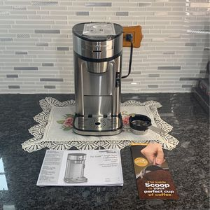 Coffee Maker Single- Serve for Sale in Plainfield, IL