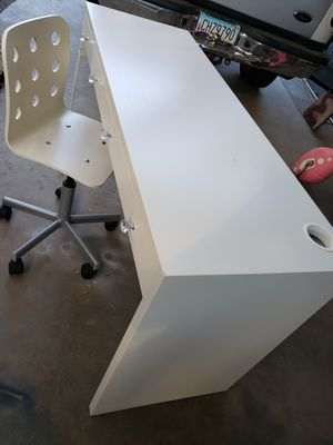 IKEA DESK AND CHAIR 💝💝💝👍 for Sale in Phoenix, AZ