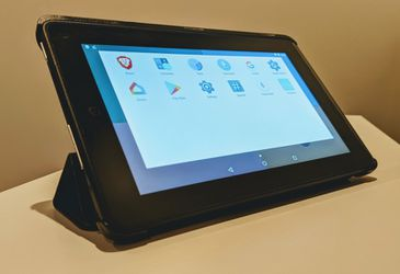 Kindle Fire 7 running stock Android ROM in Finite case for Sale in Franklin,  TN