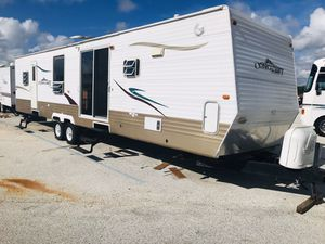 2008 Gulf Stream Conquest Travel Trailer 37 ft With a Slide for Sale in Groveland, FL