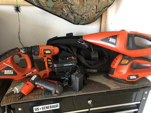 Black and decker 18v power tool set with bag for Sale in Chicago, IL