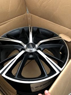 17in Black and silver rims. Fits all Mazdas. Like new condition. for Sale in San Antonio,  TX