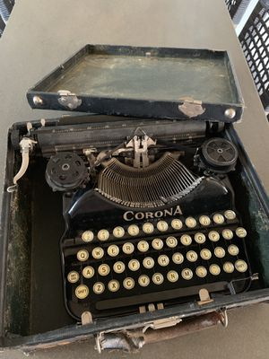 $100 obo, Corona 4 Four Typewriter Antique Vintage for Sale in Arroyo Grande, CA