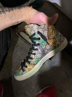 Gucci's Shoe Men Size 9/hafe for Sale in Portland,  OR