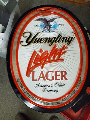 Lighted beer sign for Sale in Erie, PA