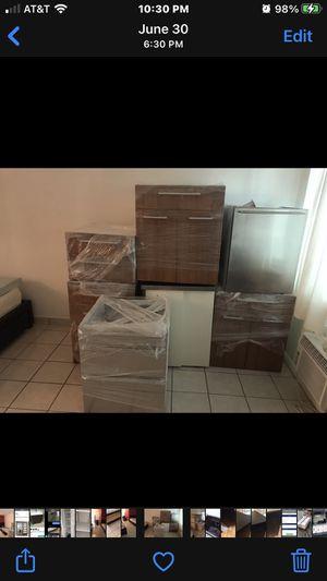 Kitchen cabinets for Sale in Miami Beach, FL