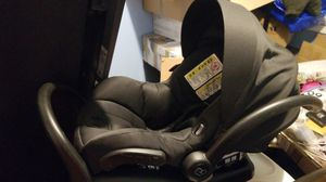 All black MAXI-COSI baby safety car seat for Sale in Brooklyn, NY