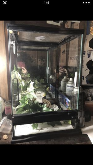 Zoo med tank for Sale in Fort McDowell, AZ