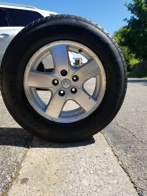 Tire with rim fron dodge grancaravan for Sale in Palatine, IL