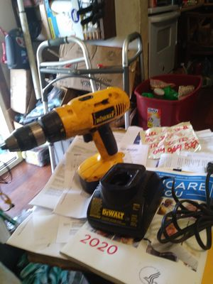 DEWALT 14.4 VOLT 2 SPEED CORDLESS DRILL WORKS GREAT for Sale in Columbus, OH