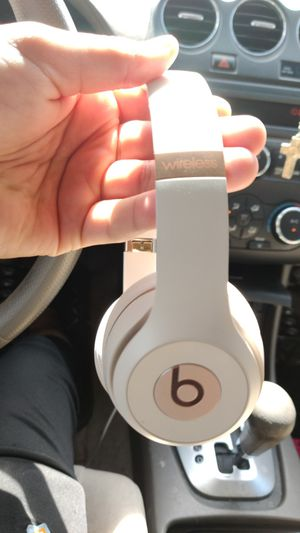 Beats Solo 3 Wireless Rose Gold for Sale in Houston, TX