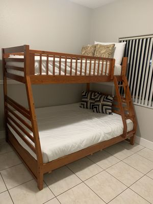 Solid wood bunk bed for Sale in Miami Springs, FL
