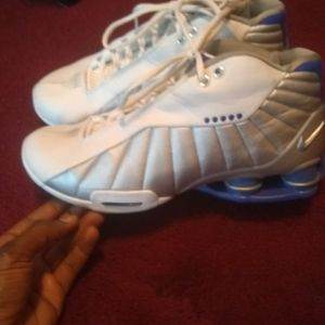 Vince Carter size 8 and 1/2 250 call me at {contact info removed} for Sale in Forest Heights, MD