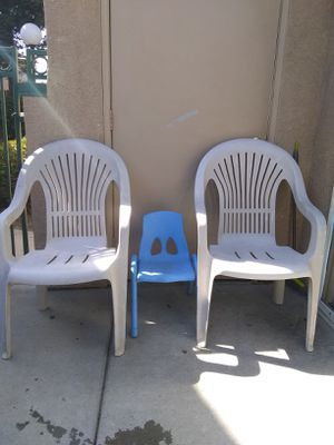 Chairs for Sale in Madera, CA