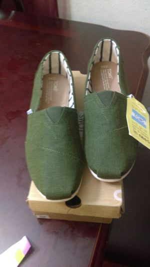 Toms de hombre size 9.5 new never used for Sale in Baldwin Park, CA