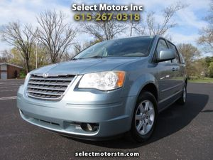 2010 CHRYSLER TOWN & COUNTRY VAN WITH CLEAN TITLE!! for Sale in Smyrna, TN
