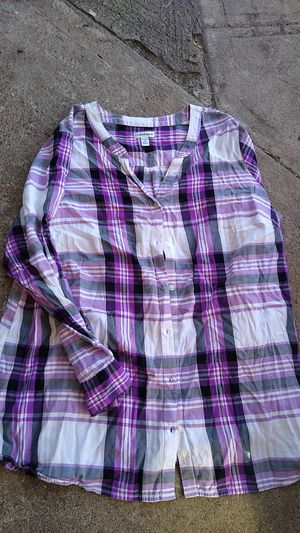 Real cute button up shirt ladies 2XL for Sale in Spokane, WA
