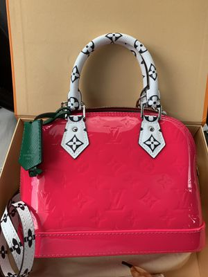 Louis Vuitton Alma bb Bag for Sale in Atlanta, GA