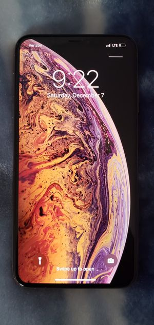 Se Vende un iPhone Xs Max 256GB- UNLOCKED for Sale in Madison, WI