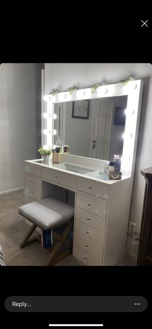 All New Fully Assembled Makeup Vanity dresser With Hollywood Mirror for Sale in Perris, CA
