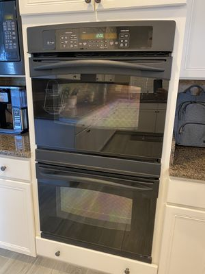 GE Profile black kitchen appliances set - double ovens, dishwasher & microwave for Sale in Las Vegas, NV