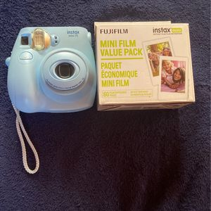 Polaroid Camera With Value Film Pack Included for Sale in Lothian, MD