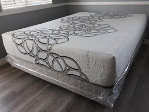 Cal king size Organic Cloud Edition Siesta Jumbo Europillow Top Mattress & Boxspring for Sale in Buena Park, CA