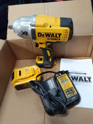 New dewal impact wrench 1/2 hi torque for Sale in Chicago, IL