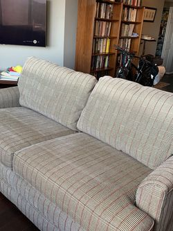 LAY-Z-BOY Pullout Couch for Sale in Rockville,  MD