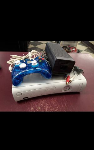 XBOX 360 GAME SYSTEM for Sale in Columbus, OH