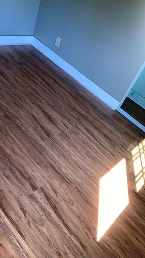 Laminate and wood floor for Sale in Azusa, CA