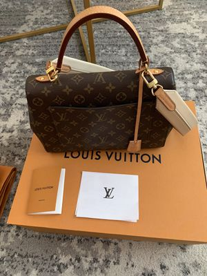 Louis Vuitton cluny MM bag purse for Sale in LOMBARD, IL
