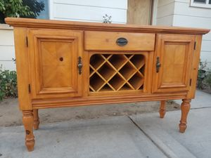 Beautiful Wine Buffet/Entry/Accent Table for Sale in Loma Linda, CA