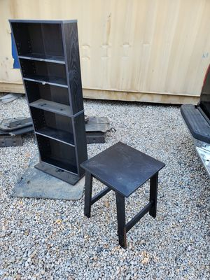 DVD shelf and small table for Sale in Bloomington, CA