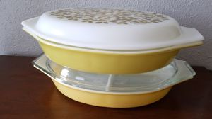 Vintage pyrex divider plates with tops no chips for Sale in Fort Worth, TX