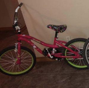 vendo bicicleta de niña solo la uso unas 3 veses for Sale in Dallas, TX