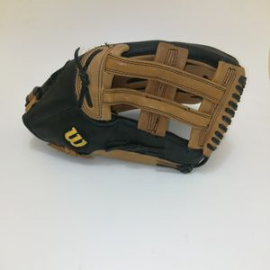 """Wilson A465 14"""" Softball Glove for Sale in Bakersfield, CA"""