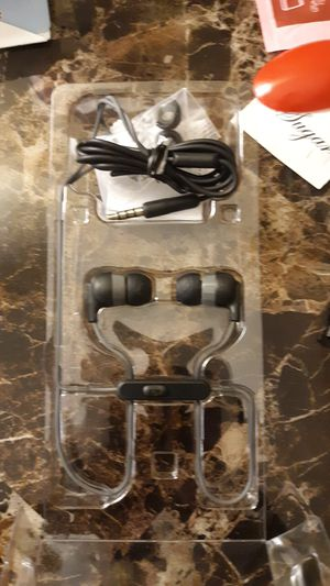 Skullcandy wireless headphones for Sale in Wichita, KS
