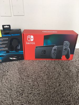 New Nintendo Switch w Gaming Headset for Sale in Silver Spring, MD