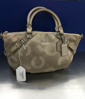 Coach hand bag for Sale in Bartow, FL