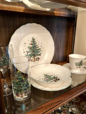 Christmas dish ware for 8 by Nikko plus accessories (shown) for Sale in Tampa, FL