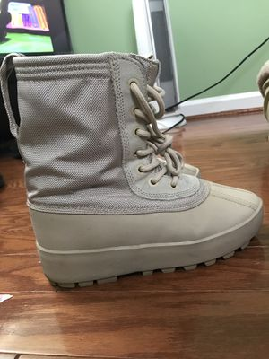 Moon rock yezzy boots sz 7 men's $350 for Sale in Washington, DC