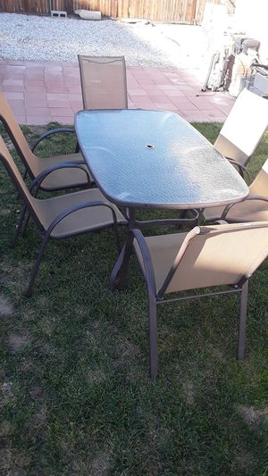 Patio set 6 chairs for Sale in Hesperia, CA