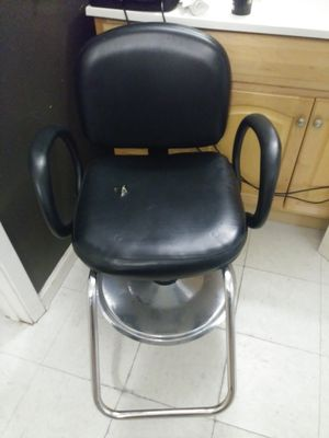 Barber chair for Sale in Chico, CA